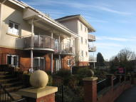 2 bedroom Apartment in The Cedars, High Wycombe