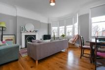 2 bed Flat to rent in Bargery Road London SE6