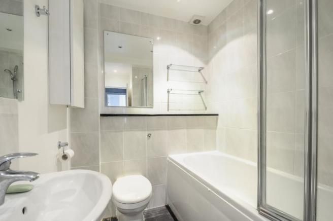 bathroomHR