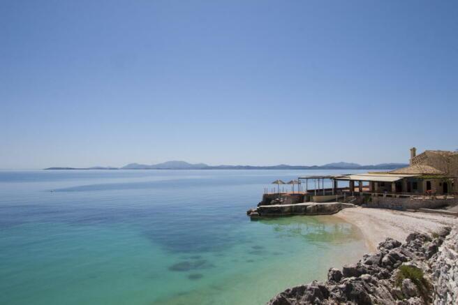 Nissaki main beach