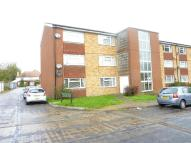 2 bed Flat for sale in Merrymeet, Woodmansterne...