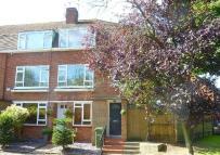 Maisonette for sale in Cheyne Court, Park Road...