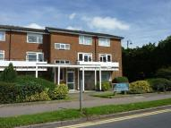 Flat in Buff Avenue, Banstead...