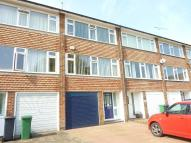 3 bed Town House to rent in Stirling Close, Banstead