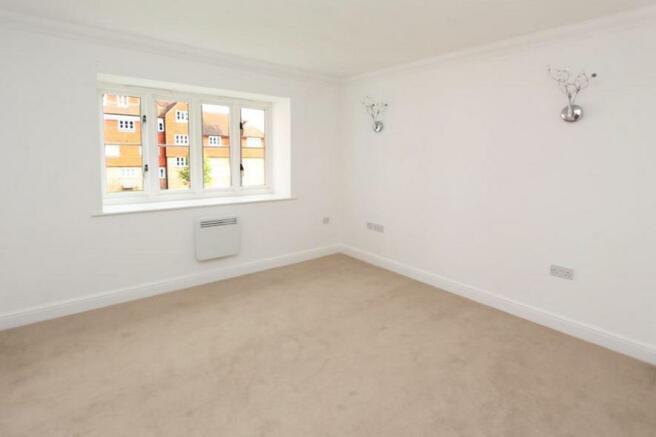 9EH Bedroom 1.jpg