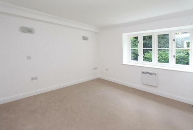 9EH Bedroom 2.jpg