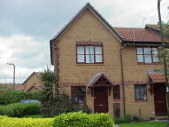 End of Terrace home to rent in Hedley Gardens...