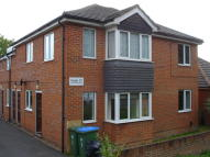 Ground Maisonette to rent in SHOLING