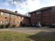 2 bed Flat in Squires Walk...