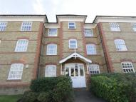 Apartment to rent in 2 Buchanan Close, London...