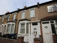 2 bed Terraced property to rent in Cheddington Road...