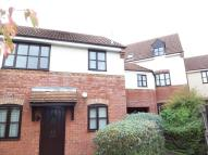 2 bed Flat to rent in Grace Avenue...