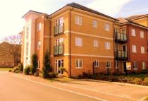 Flat to rent in The Parklands, Luton...