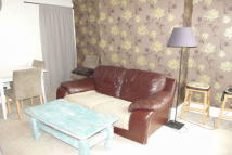 2 bed property to rent in Victoria Road...