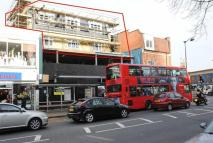 2 bed Flat to rent in High Road, London