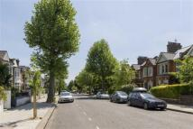 Studio apartment in Highlever Road, London