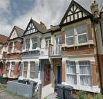 Flat to rent in St Margarets Avenue...