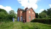 2 bed semi detached home in Island Road, Reading...