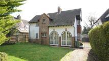 3 bedroom Detached property in Bath Road, Taplow...