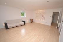 2 bedroom Flat in Wincanton Court...