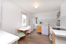 Flat to rent in Long Lane, East Finchley