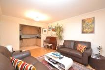 Flat to rent in 19a Juliana Close...