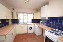 Flat to rent in Elmshurst Crescent...