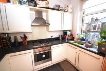 Apartment to rent in Kitchener Road...
