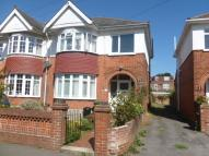 1 bed Ground Flat in Beaconsfield Avenue...