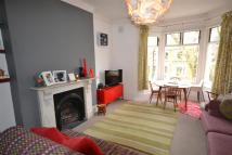 2 bed Flat to rent in Ferme Park Road...