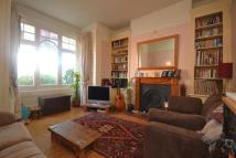 Flat to rent in Muswell Road...