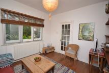 3 bedroom property to rent in Barrenger Road...
