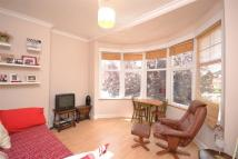 2 bed Flat to rent in Palmerston Road...