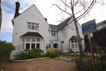5 bed house in Coppetts Road...