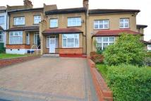 3 bedroom house in Horsham Avenue, London...