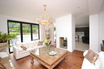 7 bedroom Detached home in The Drive, New Barnet...