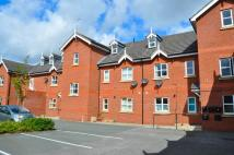 Flat to rent in High Street, Saltney...