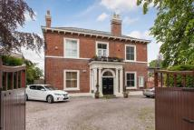 4 bedroom Apartment in Curzon Park North...