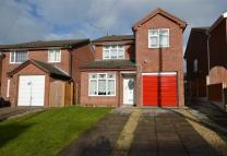 Detached property in Cledwen Drive...