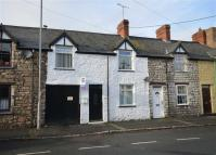 2 bedroom Terraced house in Mwrog Street, Ruthin...