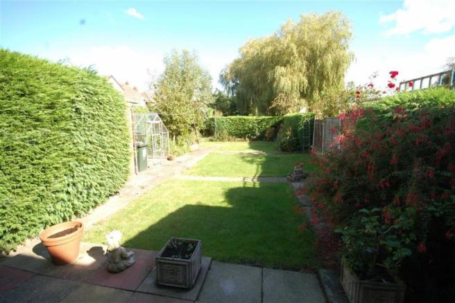 Lawned rear garden