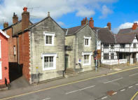 4 bedroom Character Property in Castle Street, Ruthin...