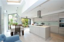 4 bed End of Terrace house for sale in Hydethorpe Road, LONDON...