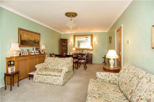 Lounge/dinner reception room
