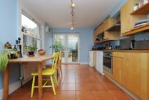 4 bed Terraced house in Barretts Grove...