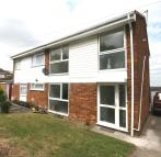 3 bedroom semi detached house to rent in Halsey Drive, Hitchin