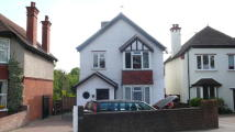 5 bed Detached property in Cookham Road, Maidenhead...