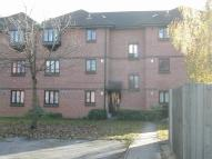 Studio flat in Vicarage Way, Colnbrook