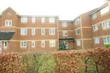 1 bedroom Flat in Walpole Road...