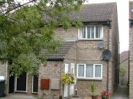 Maisonette to rent in Fotheringay Gardens...